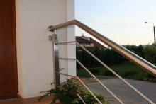 Balustrada schodowa wejściowa stal nierdzewna