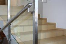 Balustrada z wypełnieniem szklanym, wewnętrzna, Milanówek