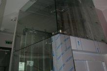 Zabudowa szklana szybu windowego