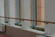 Relingi zabezpieczające przy oknach