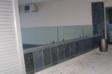 Balustrada szklana samonośna zewnętrzna, Hotel Suwałki