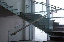Balustrady schodowe szklane samonośne Suwałki biurowiec
